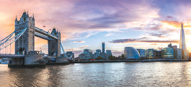 A view of London's famous attractions, which can be visited when you book a hotel or other accommodation with Flight Centre.