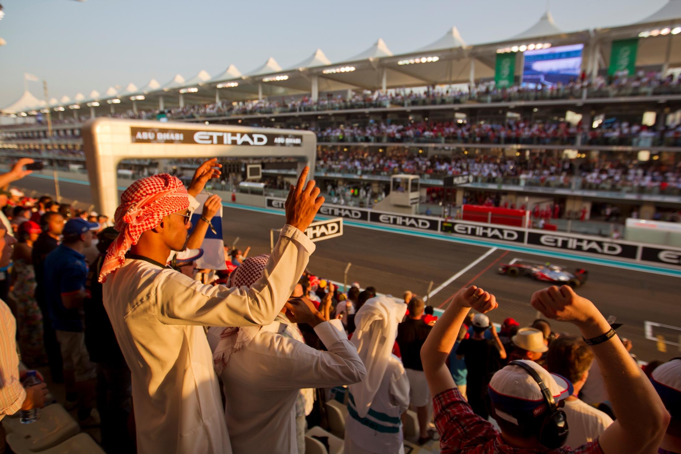 2015 F1 Etihad Airways Abu Dhabi Grand Prix 2