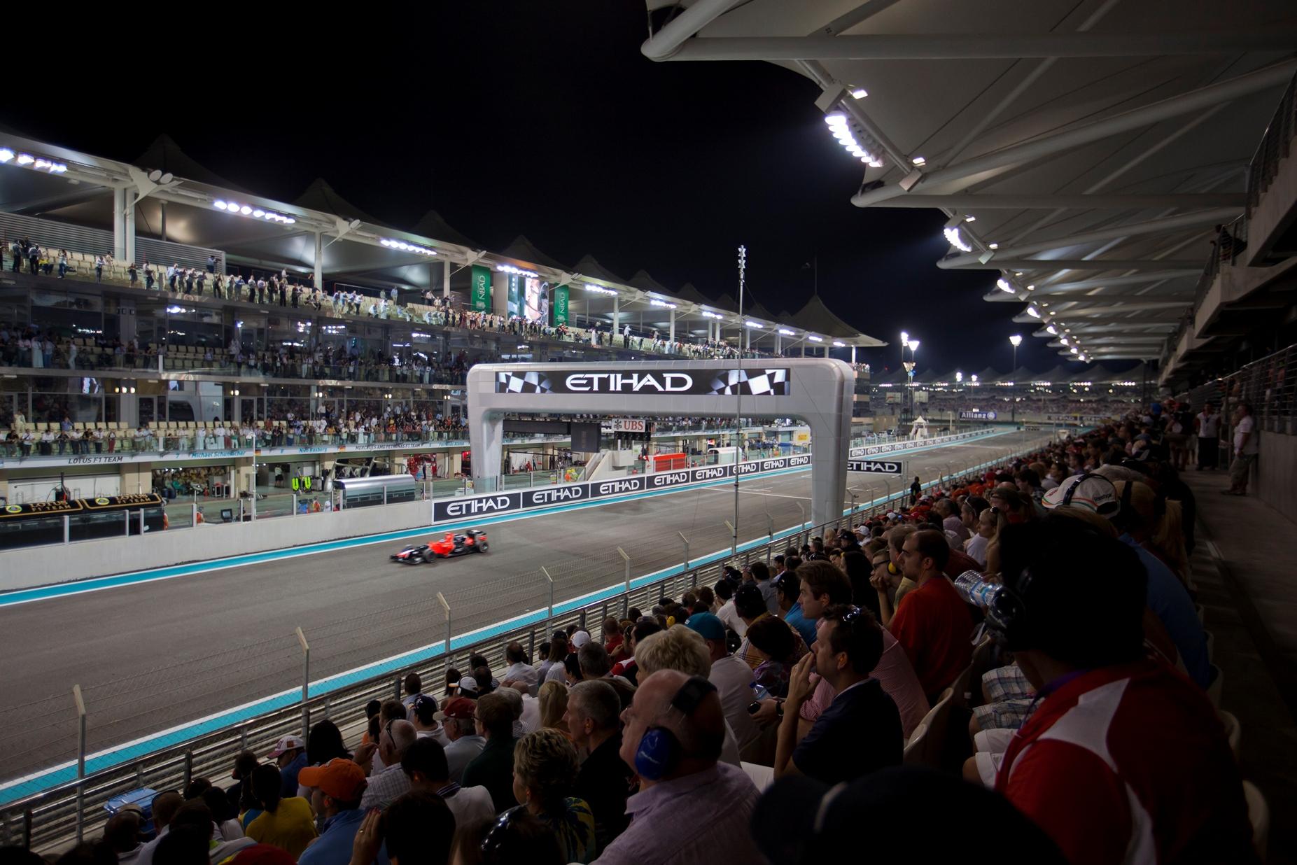 2015 F1 Etihad Airways Abu Dhabi Grand Prix 3